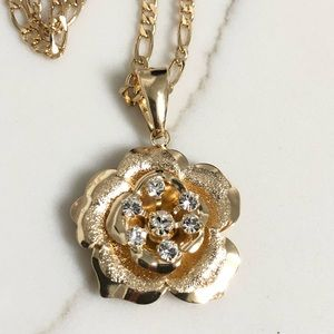 18k Gold Filled Necklace w/ flower Charm